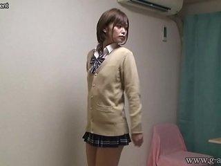 Amateur Schoolgirl 13 7 81
