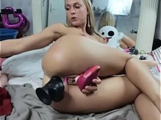 www.girls4cock.com — Camgirl siswet19 spot on target anal mime beamy dildo